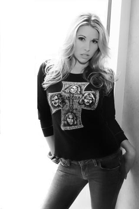Kim Kline, pictures, picture, photos, photo, pics, pic, images, image, hot, sexy, music, artist, songs, albums, lyrics, interviews
